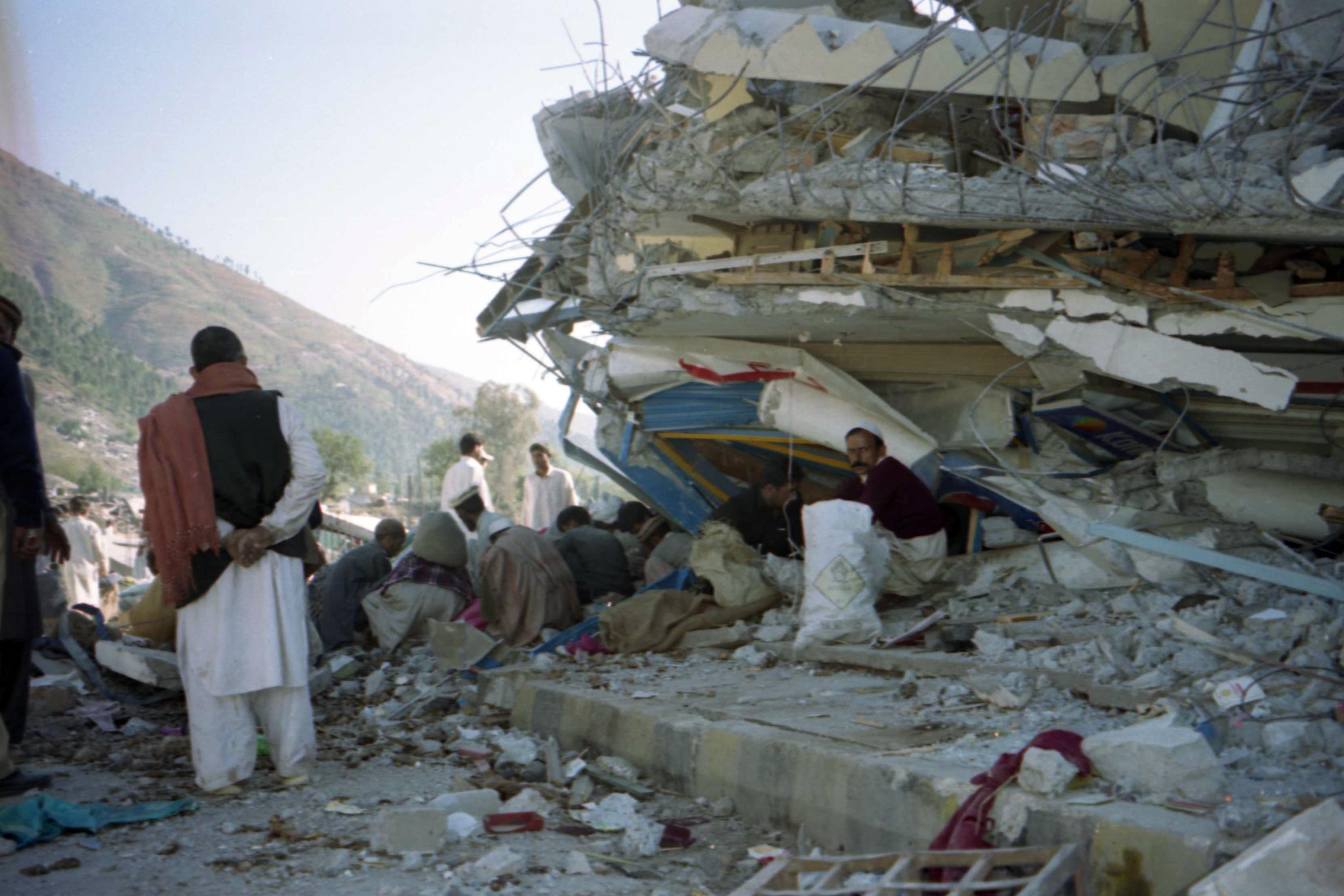 Αποστολή στο ΠΑΚΙΣΤΑΝ 2005, βοήθεια για τους πληγέντες απο τον φονικό σεισμο